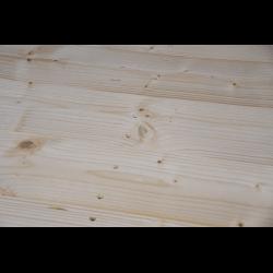 Palete de madeira de duas entradas leve - Detalhe frontal aplainado sem espaço entre as placas