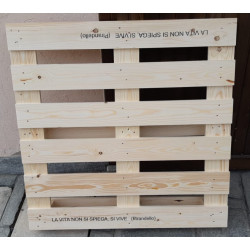 Palete de madeira de quatro...