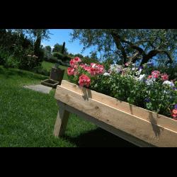 Pallet Kitchen Garden - Fountain in a garden